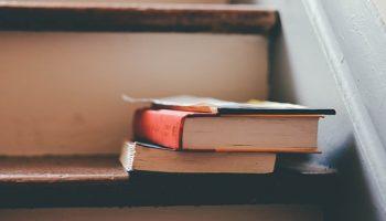 books-1185628__340